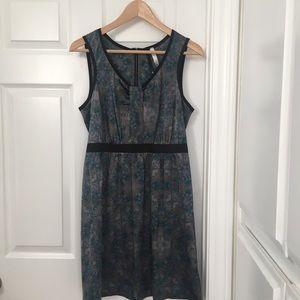 Sleeveless Kensie dress